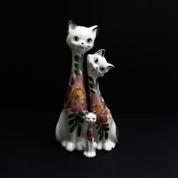 spanish pottery cats